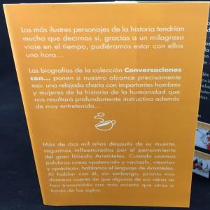 Conversaciones con Aristóteles (Spanish): Front Flap